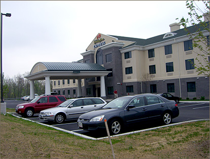 Syracuse Airport Holiday Inn Express